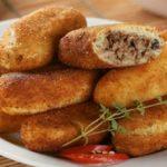 Bolinho de batata com carne moída