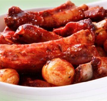 Receita de Costelinha com Batata Bolinha ao Molho Rib's (barbecue)