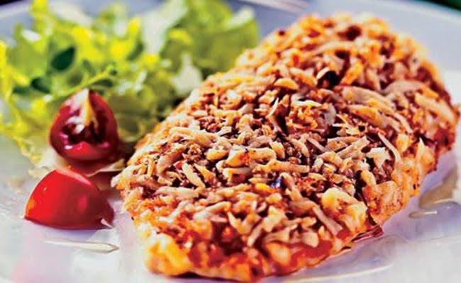 Receita de Peito de frango crocante com queijo e alho