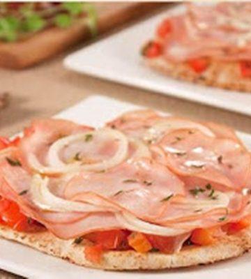 Receita de Pizza de Atum no Pão Sírio