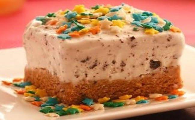 Receita de Torta de Biscoito e doce de leite com sorvete de flocos