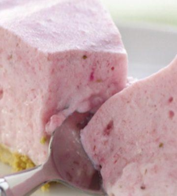 Receita de Torta de Iogurte de Morango