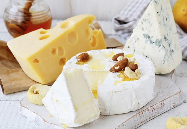 Saiba quais são os melhores queijos para manter na sua dieta