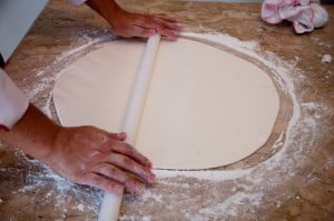 Como Fazer Pasta Americana e Decorar Bolos