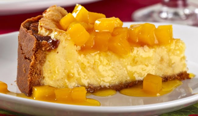 Receita de Torta Gelada de Maracujá com Calda de Manga